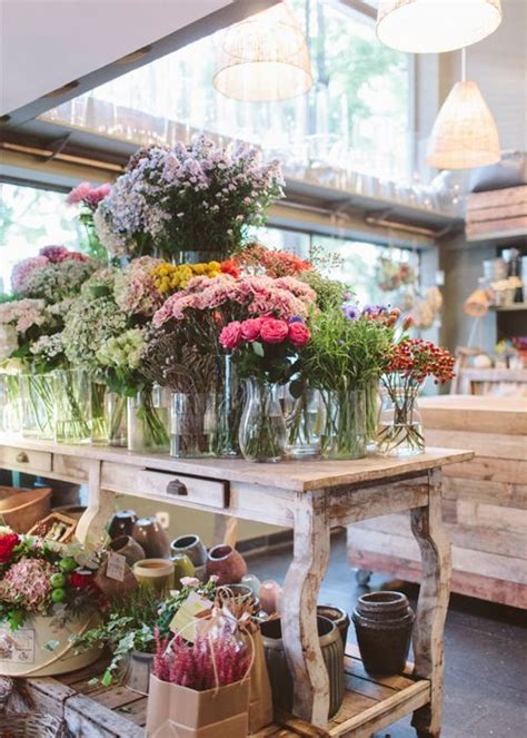 interior design with flowers best 25 flower shop interiors ideas on