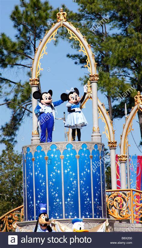 magic kingdom mickey mickey and minnie mouse walt disney world magic kingdom