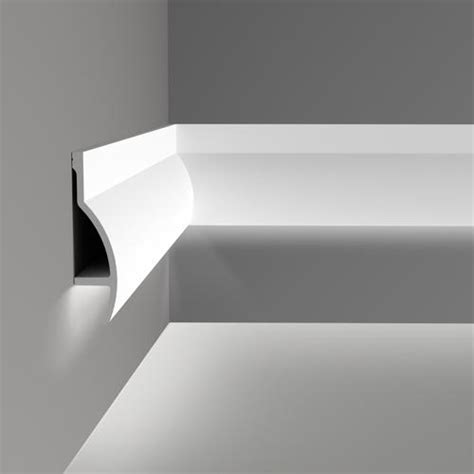 corniche moulure de plafond axxent orac decor pour eclairage indirect c372