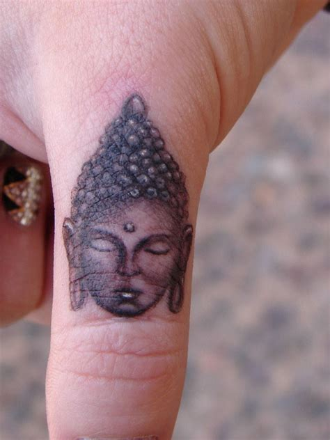 50 exceptional finger tattoos creativefan