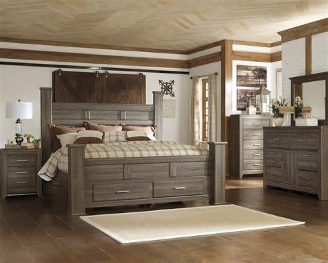 Majik Juararo King Poster Storage Bed, Dresser, Mirror