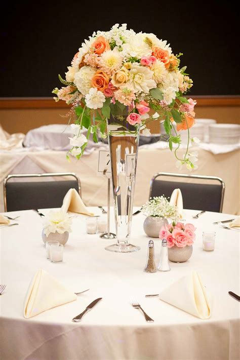 vase wedding centerpiece ideas wedding centerpiece vases ideas best wedding centerpiece