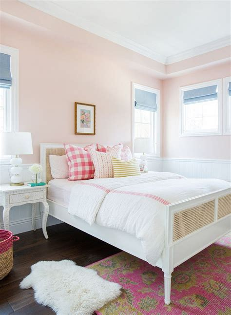 paint color for small room no light 25 best ideas about bedroom paint on
