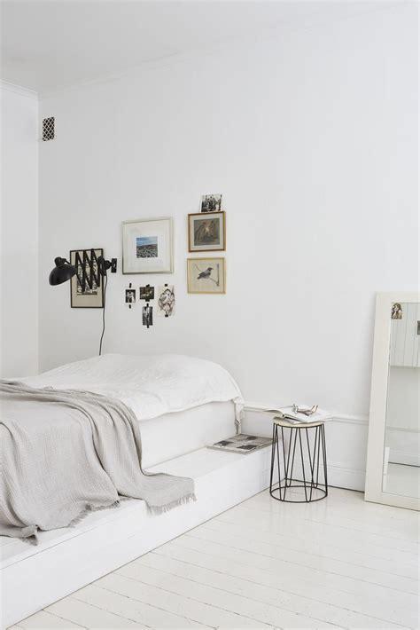 minimalist apartments best 25 minimalist apartment ideas on minimal