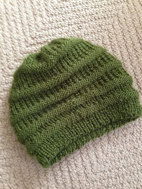 easy knit beanie 17 best ideas about slouchy beanie pattern on