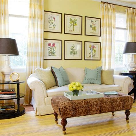 pale yellow paint colors for living room best 25 pale yellow walls ideas on