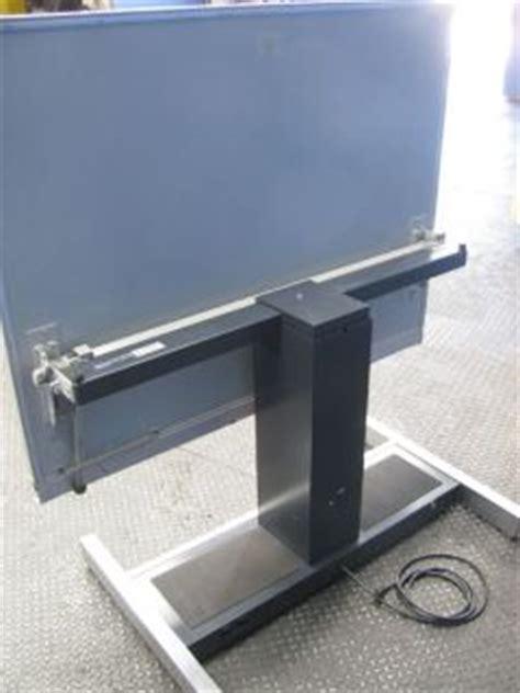hamilton vr20 drafting table 2752 hamilton 28j854 electric drafting table on popscreen