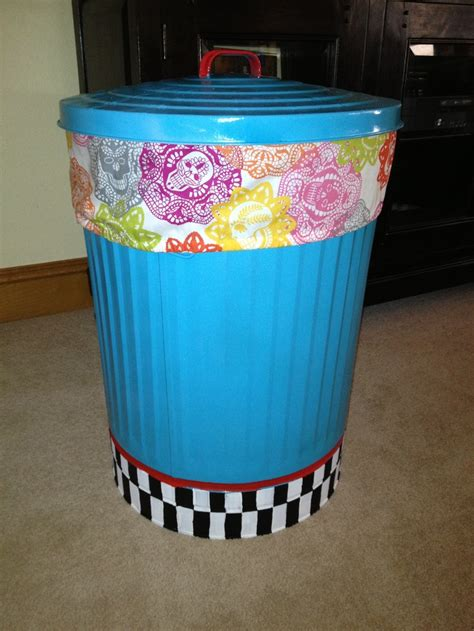 spray paint on trash can 1000 ideas about painted trash cans on throw