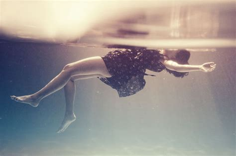 floating water dress floating photograph photography underwater