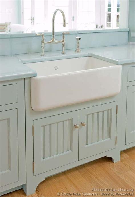 farmhouse style sink kitchen 25 best ideas about farmhouse sinks on farm