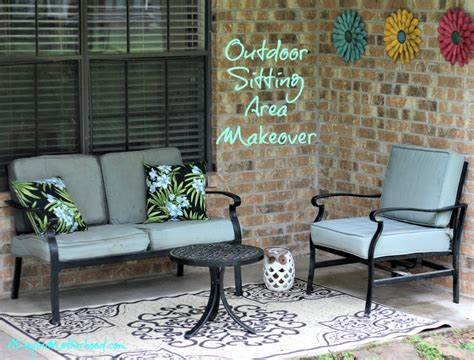 outdoor sitting area prep for summer with an outdoor sitting area makeover
