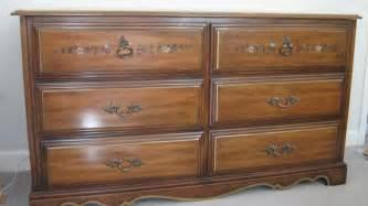 henry link bedroom furniture i a henry link bedroom set walnut color includes a