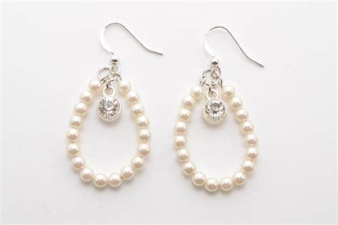 how to make pearl jewelry diy pearl drop earrings