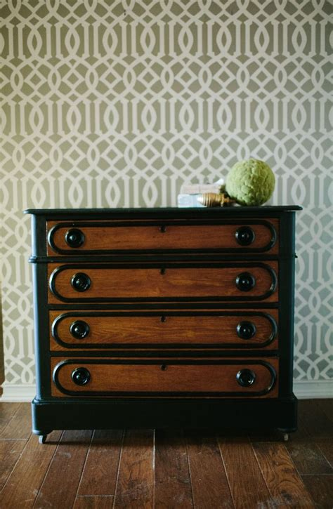 chalk paint vs howard chalk paint step by step black dresser by howard the howard