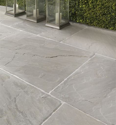 modern patio tiles 25 beste idee 235 n patio tiles op patio