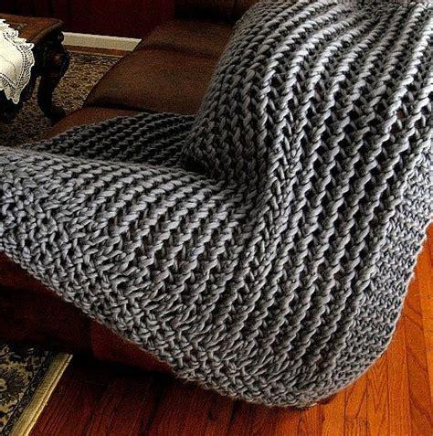 knitting patterns bulky yarn 1000 ideas about bulky yarn on yarns
