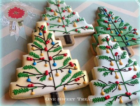 pictures of decorated sugar cookies top 25 ideas about decorated sugar cookies on