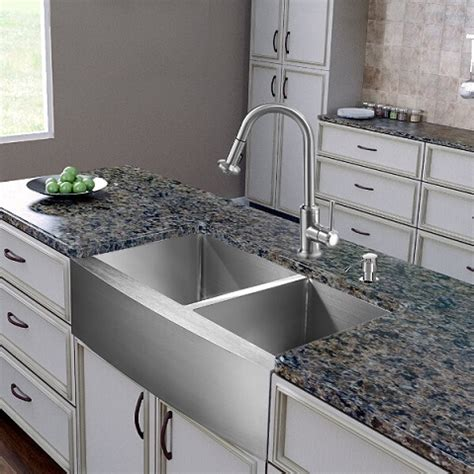 farmhouse kitchen faucet homethangs has introduced a guide to six unique twists on the classic apron sink