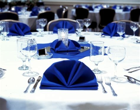 banquet table setup tips