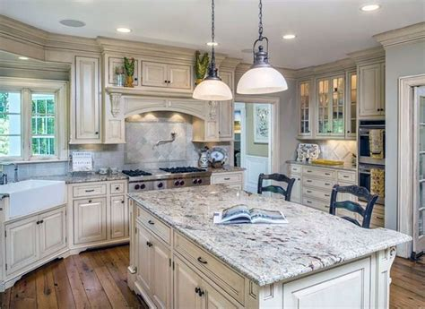 country kitchen white cabinets best 25 white cabinets ideas on white
