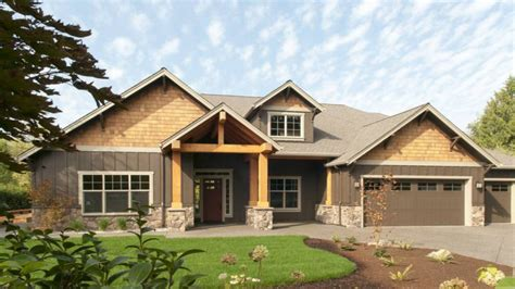 modern one story ranch house one story craftsman house
