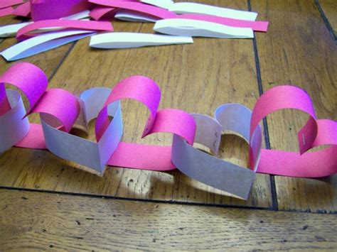 construction paper valentines day crafts make a construction paper garland dollar store
