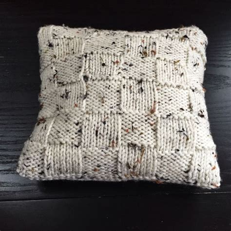 knitted pillow cover pattern free top 25 best knitted cushions ideas on knitted