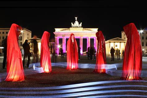 berlin painting festival file festival of lights brandenburger tor berlin