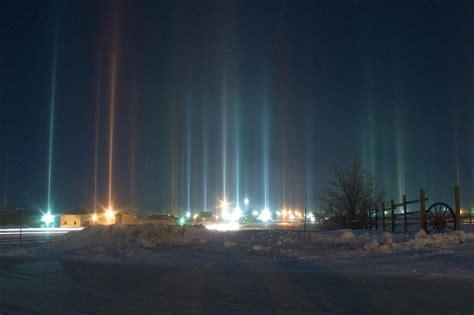 phenomenon light pillars