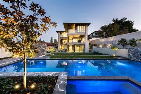 m 225 s de 200 fotos de fachadas de casas modernas y bonitas - Las Casas Mas Modernas Del Mundo