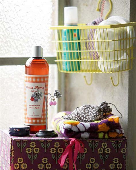 Bathroom Basket Ideas by Small Basket Bathroom Storage Ideas