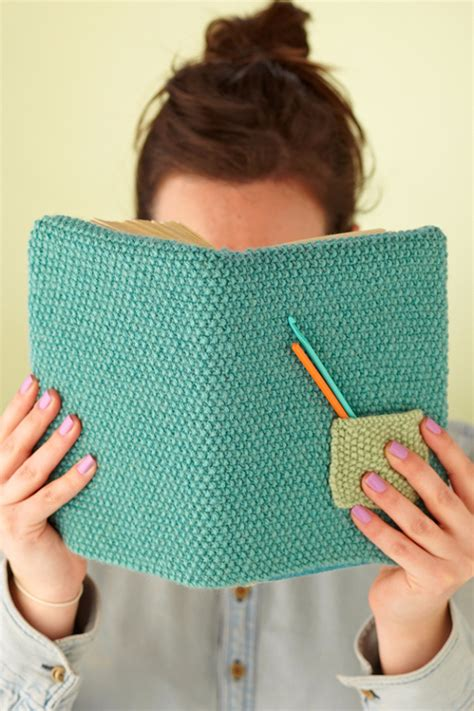 knitting gift ideas 32 easy knitted gifts that you can make in hours diy