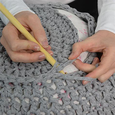 diy d 233 co faire une housse de pouf en crochet id 233 es