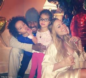 nick cannon walked out mariah carey amid concerns for her