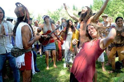 hippie festival steve schapiro vibrant photographs document neo hippies at