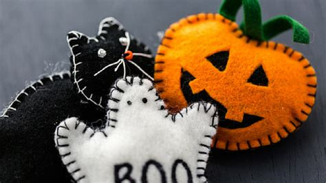 scary crafts for 15 simple but not scary crafts for toddlers