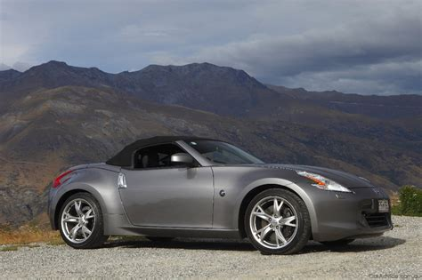 2010 Nissan 370z by 2010 Nissan 370z Roadster Launched Photos 1 Of 97