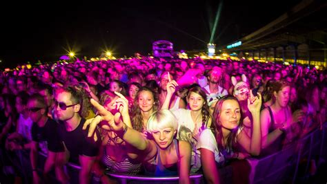 festival in 50 photos to make you want to go to a festival gap year