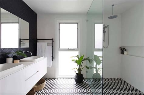 White And Black Bathrooms by 25 Incredibly Stylish Black And White Bathroom Ideas To