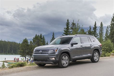 Vw Atlas Review by 2018 Volkswagen Atlas Review Vw S 7 Seat Suv Built For