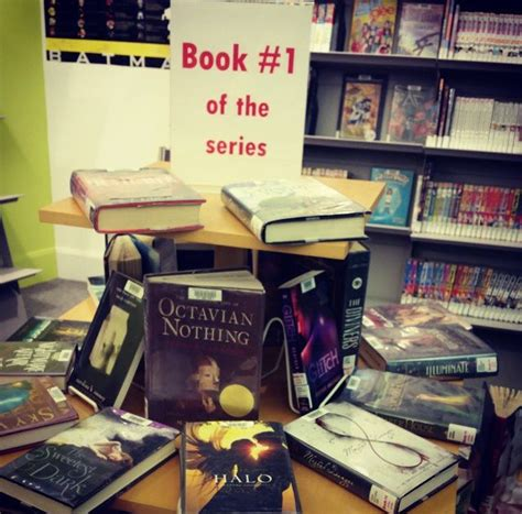 display books 25 best ideas about library displays on