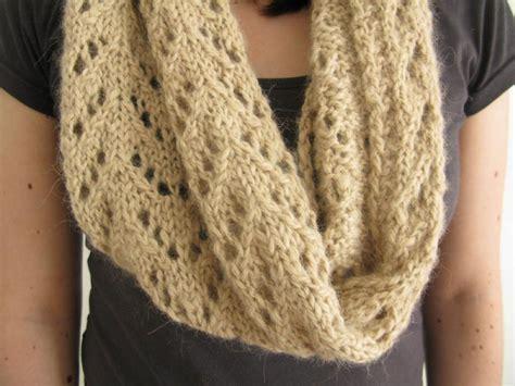 knit lace cowl pattern etive cowl
