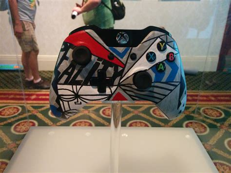 acrylic paint xbox controller sdcc 14 the xbox one wireless controller artist