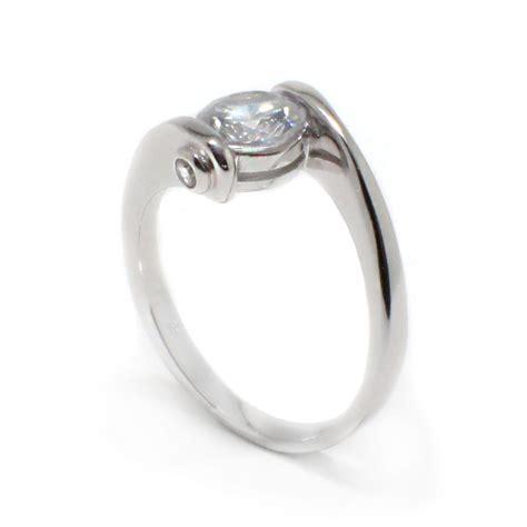 sterling silver sterling silver center cz overlap twist ring sbgr00392