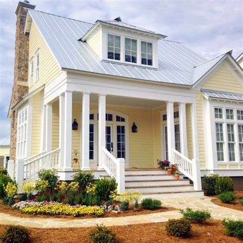 light ideas for house best 25 yellow house exterior ideas on yellow