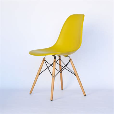 eames chair dsw vitra eames plastic side chair dsw senf gelb ahorn