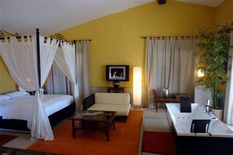 hotel con jacuzzi en la habitacion en toledo la almazara de valdeverdeja hoteles con jacuzzi en la