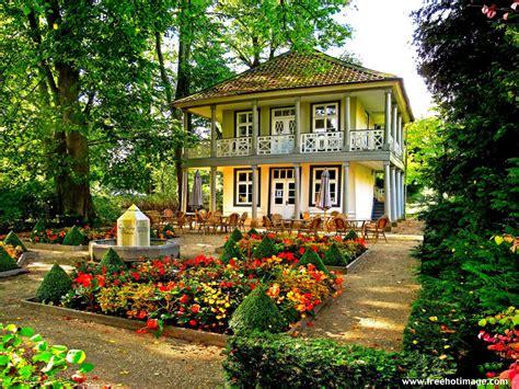 flower garden at home gardening beautiful house garden pictures house beautiful
