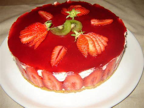 fraisier d anniversaire pour tonton un peu de r 234 ve dans ma cuisine
