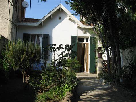 locations maison a louer barnabe t2 f2 marseille maison ancienne avec jardin situee dans